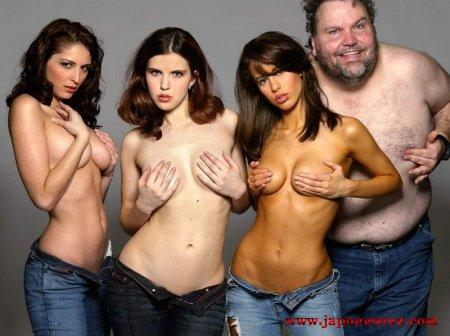 Pourquoi les gens se montrent nus