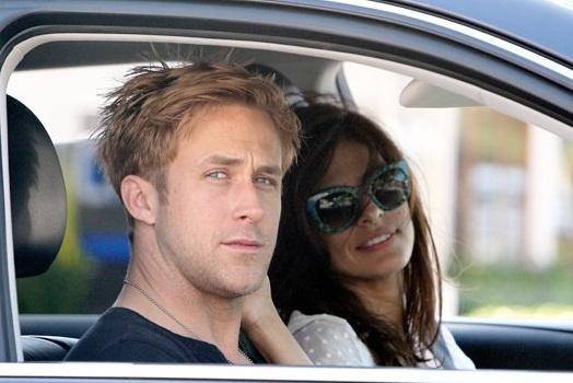 Acteur Ryan Gosling a demandé Eva Mendes de mettre la lingerie 1