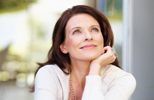 A quel moment les femmes paraissent-elles les plus vieilles